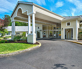 assisted living senior living deerfield village milwaukie or